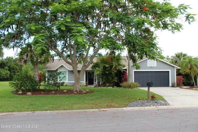 548 Sawgrass Circle, Melbourne, FL 32940 (MLS #907100) :: Premium Properties Real Estate Services
