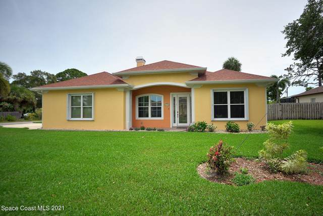 2000 S Misty Harbor Place, Merritt Island, FL 32952 (MLS #907779) :: Premium Properties Real Estate Services
