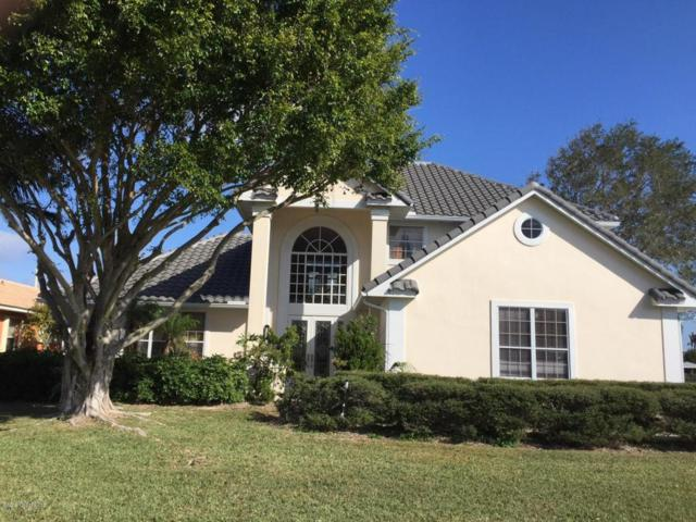 166 Lanternback Island Drive, Satellite Beach, FL 32937 (MLS #802154) :: Better Homes and Gardens Real Estate Star