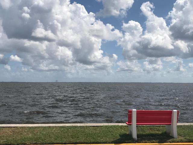 190 E Olmstead Drive H5, Titusville, FL 32780 (MLS #826934) :: Blue Marlin Real Estate