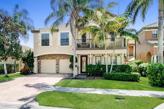 439 Montecito Drive, Satellite Beach, FL 32937 (MLS #886812) :: Coldwell Banker Realty