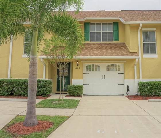 613 Cedar Side Circle NE, Palm Bay, FL 32905 (MLS #887917) :: Blue Marlin Real Estate