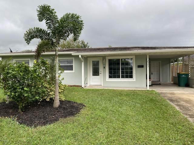 2393 Pawnee Drive, Melbourne, FL 32935 (MLS #890564) :: Premium Properties Real Estate Services