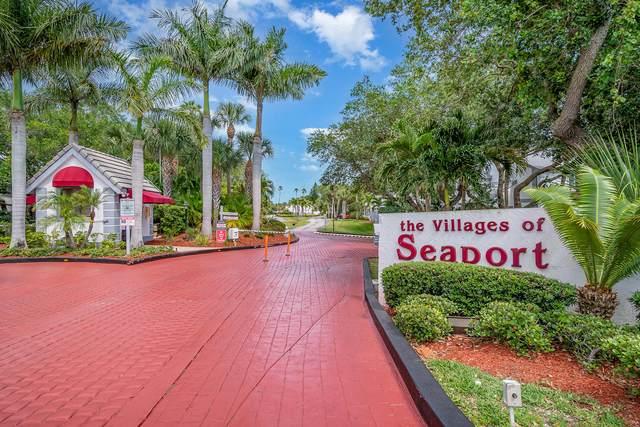 100 Beach Park Lane #17, Cape Canaveral, FL 32920 (MLS #901877) :: Premier Home Experts