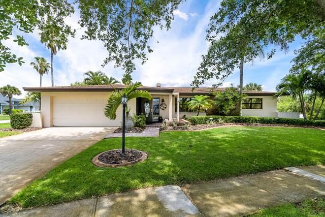 1520 Girard Boulevard, Merritt Island, FL 32952 (MLS #903858) :: Premium Properties Real Estate Services