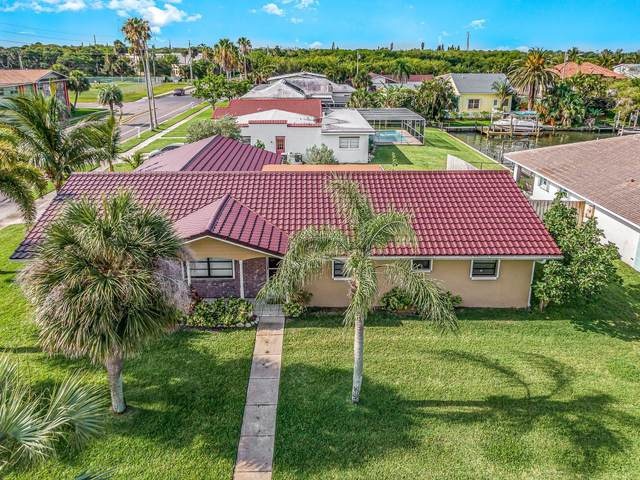 304 Jack Drive, Cocoa Beach, FL 32931 (MLS #901269) :: Blue Marlin Real Estate