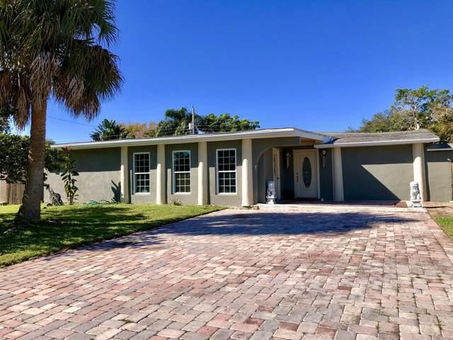 319 Third St., Merritt Island, FL 32953 (MLS #866186) :: Coldwell Banker Realty