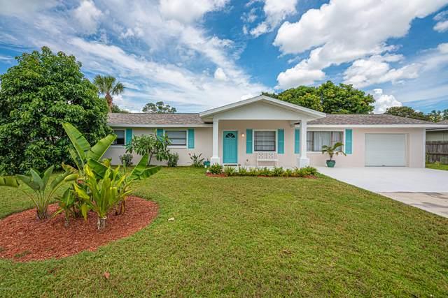 360 Banana Boulevard, Merritt Island, FL 32952 (MLS #882055) :: Premium Properties Real Estate Services