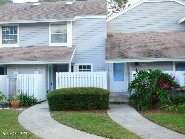 707 Players Court, Melbourne, FL 32940 (MLS #798628) :: Better Homes and Gardens Real Estate Star