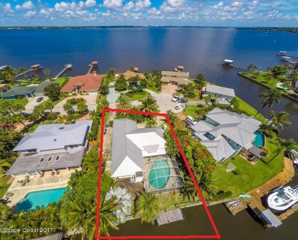 446 Riverview Lane, Melbourne Beach, FL 32951 (MLS #798996) :: Better Homes and Gardens Real Estate Star