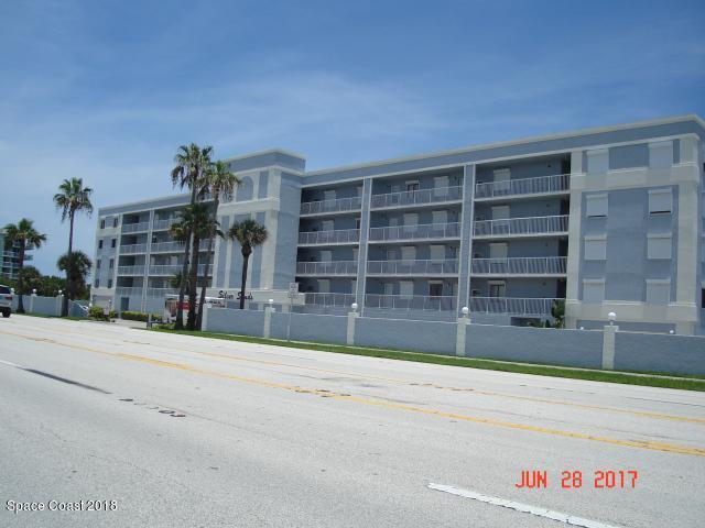 297 Highway A1a #416, Satellite Beach, FL 32937 (MLS #821901) :: Premium Properties Real Estate Services