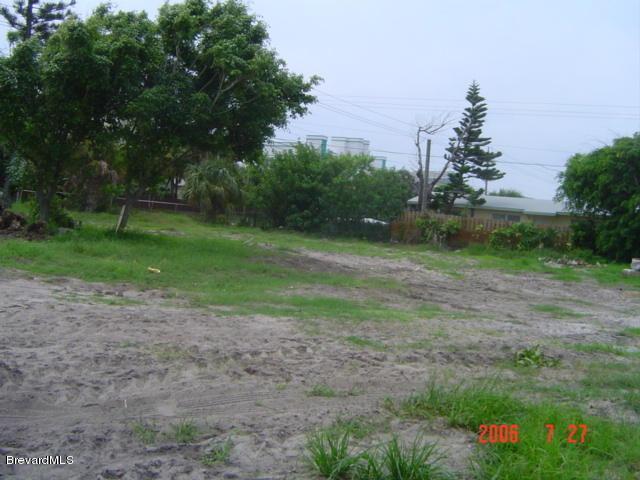 6063 Ridgewood Avenue, Cocoa Beach, FL 32931 (MLS #826695) :: Pamela Myers Realty