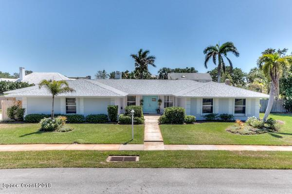 517 S River Oaks Drive, Indialantic, FL 32903 (MLS #829963) :: Premium Properties Real Estate Services