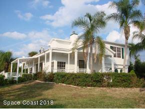 160 River Oaks Road, Melbourne Beach, FL 32951 (MLS #831732) :: Coral C's Realty LLC