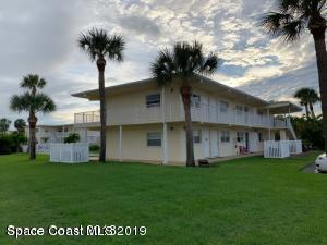 7515 Ridgewood Avenue #19, Cape Canaveral, FL 32920 (MLS #837475) :: Platinum Group / Keller Williams Realty