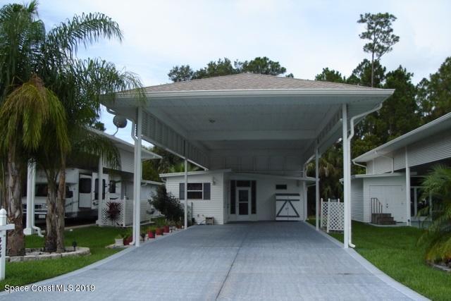 433 Plantation Drive, Titusville, FL 32780 (MLS #848378) :: Pamela Myers Realty