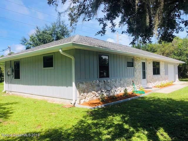 9830 Honeysuckle Drive, Micco, FL 32976 (MLS #855692) :: Pamela Myers Realty