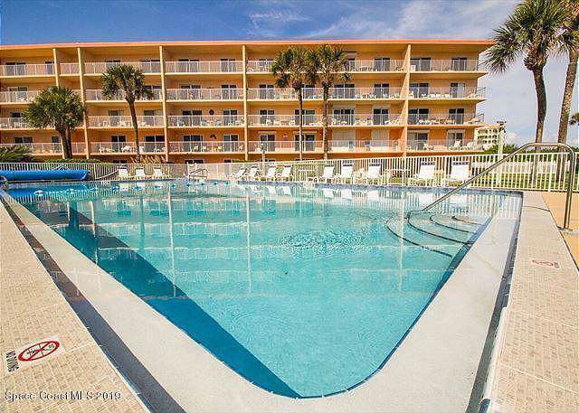 220 Young Avenue #16, Cocoa Beach, FL 32931 (MLS #861406) :: Premium Properties Real Estate Services