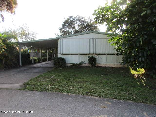 4454 Twin Lakes Drive, Melbourne, FL 32934 (MLS #865538) :: Premium Properties Real Estate Services