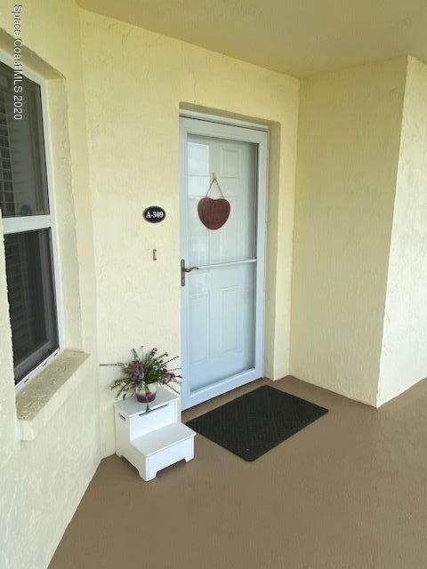 8700 Ridgewood Avenue #309, Cape Canaveral, FL 32920 (MLS #867389) :: Premium Properties Real Estate Services