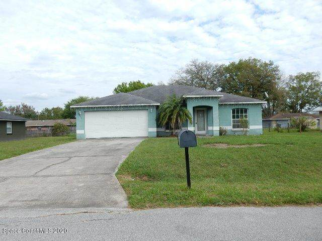 8013 Cheyenne Lane, Lakeland, FL 33810 (MLS #869118) :: Premium Properties Real Estate Services