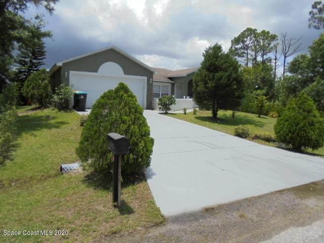 2240 SE Angel Road SE, Palm Bay, FL 32909 (MLS #883717) :: Blue Marlin Real Estate