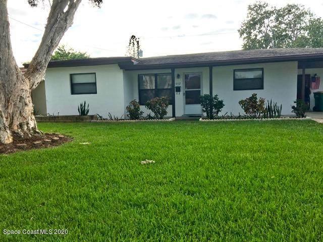 652 Cherokee Avenue, Melbourne, FL 32935 (MLS #886721) :: Blue Marlin Real Estate