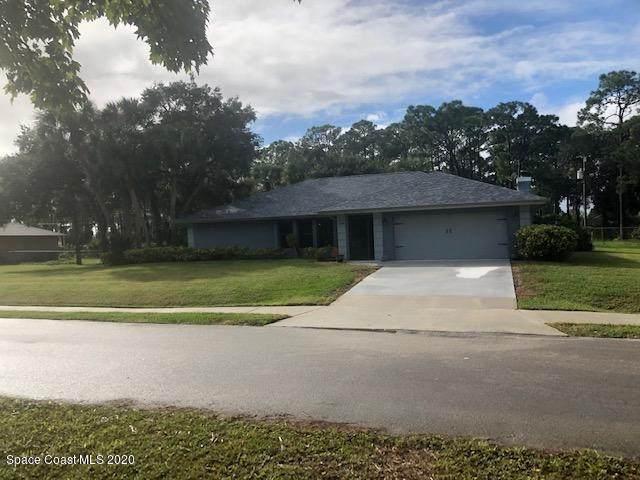 1150 Pembroke Avenue NE, Palm Bay, FL 32907 (MLS #890818) :: Coldwell Banker Realty