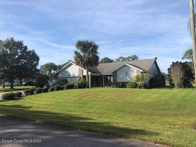 756 Pineda Avenue NE, Palm Bay, FL 32907 (MLS #891283) :: Coldwell Banker Realty