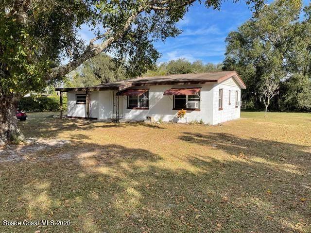 2833 Pine Avenue, Mims, FL 32754 (MLS #893496) :: Blue Marlin Real Estate