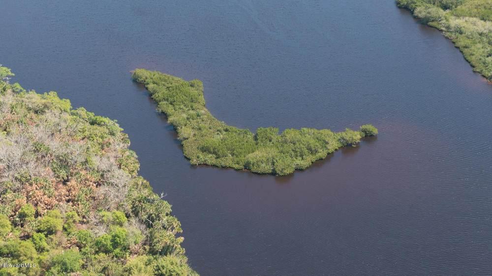 00 Island In Sebastian River - Photo 1