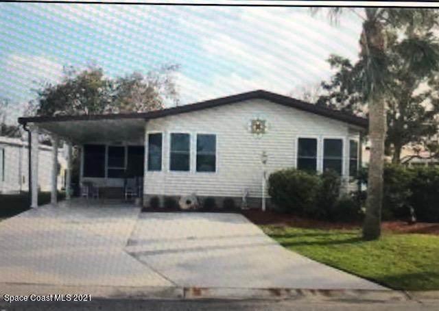 821 Hyacinth Circle, Barefoot Bay, FL 32976 (MLS #898994) :: Premium Properties Real Estate Services