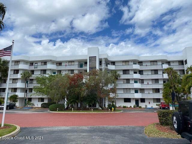300 Columbia Drive #2104, Cape Canaveral, FL 32920 (MLS #899592) :: Premium Properties Real Estate Services