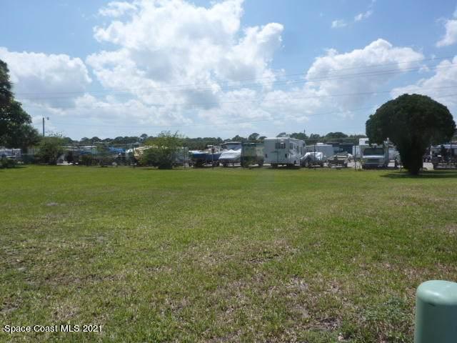 626 Amber Jack Court, Barefoot Bay, FL 32976 (MLS #901906) :: Dalton Wade Real Estate Group