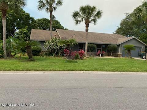 564 Crystal Lake Drive, Melbourne, FL 32940 (MLS #904121) :: Blue Marlin Real Estate