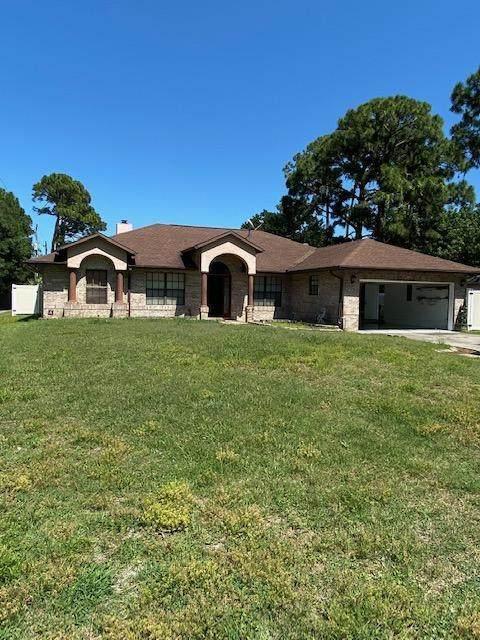 1016 Newfound Harbor Drive, Merritt Island, FL 32952 (MLS #904575) :: Premier Home Experts