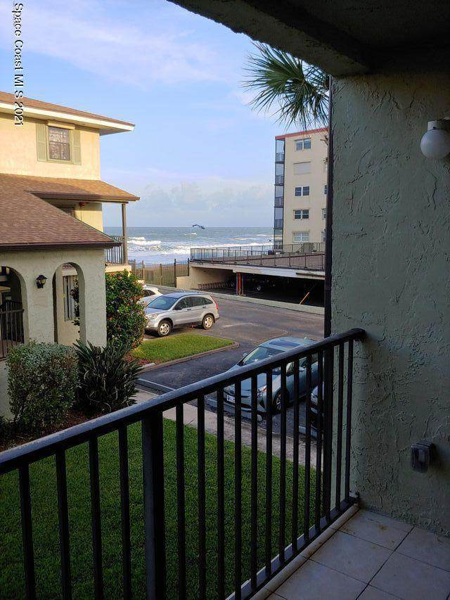 199 Highway A1a D202, Satellite Beach, FL 32937 (MLS #904652) :: New Home Partners