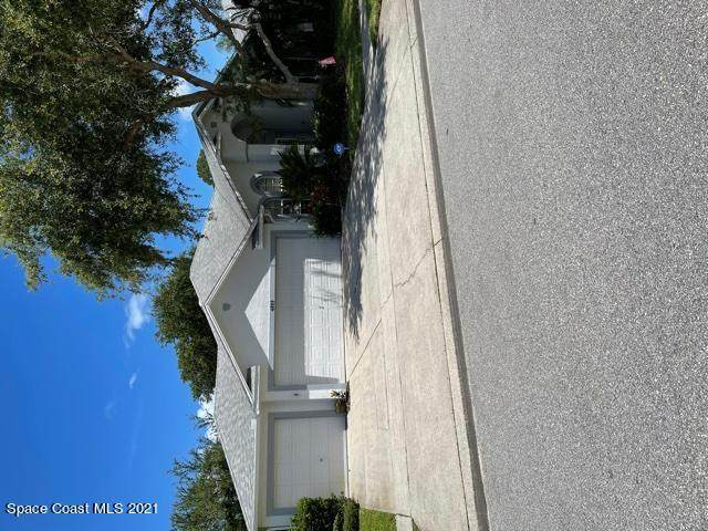 4909 Rosewood Lane, Melbourne, FL 32940 (MLS #905308) :: Premium Properties Real Estate Services
