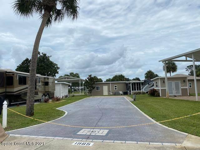 1965 Payne Stewart Drive #201, Titusville, FL 32796 (MLS #907910) :: Keller Williams Realty Brevard
