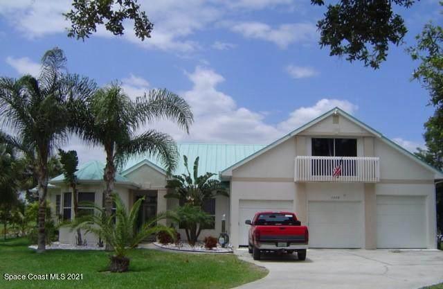 1975 Harbor Point Drive, Merritt Island, FL 32952 (MLS #908278) :: Blue Marlin Real Estate