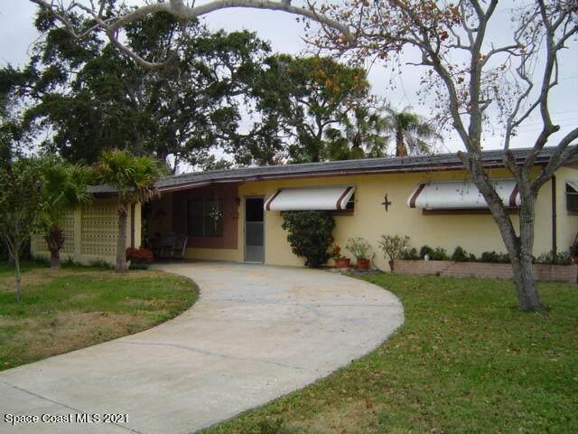 260 Antigua Drive, Merritt Island, FL 32952 (MLS #908530) :: Blue Marlin Real Estate