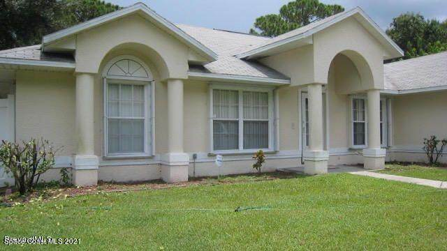 709 Ontario Street NW, Palm Bay, FL 32907 (MLS #909040) :: Premium Properties Real Estate Services