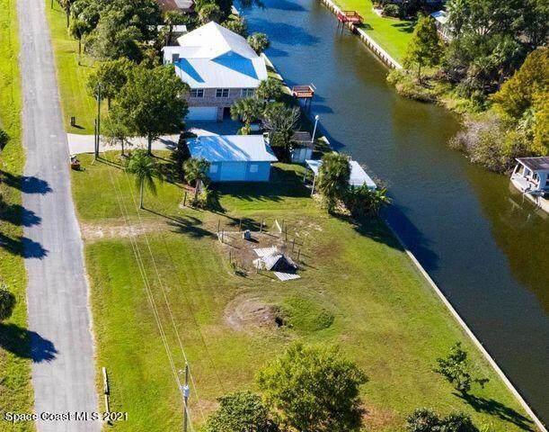 5260 White Heron Lane, Melbourne, FL 32934 (MLS #909488) :: Keller Williams Realty Brevard