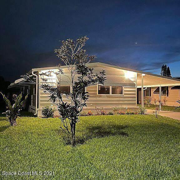 7878 SE Continental Drive, Stuart, FL 34994 (MLS #911839) :: Premier Home Experts