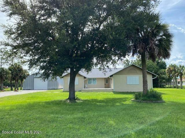 5200 Fishtail Palm Avenue, Cocoa, FL 32927 (MLS #913857) :: Blue Marlin Real Estate
