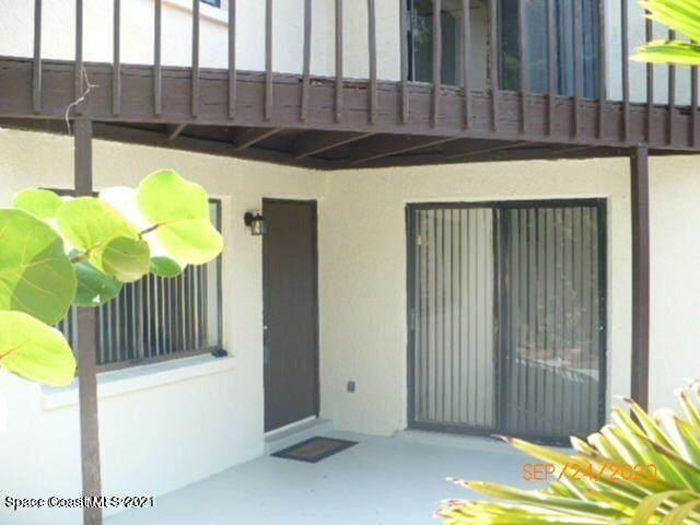 3265 Sand Court, Melbourne Beach, FL 32951 (MLS #915336) :: Premium Properties Real Estate Services