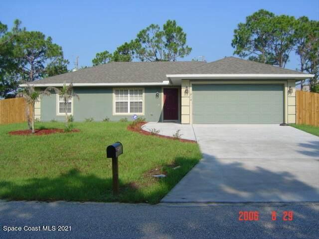 914 Caligula Avenue SE, Palm Bay, FL 32909 (MLS #916128) :: Blue Marlin Real Estate