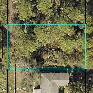 8225 105th Court, Vero Beach, FL 32967 (MLS #916286) :: Premium Properties Real Estate Services