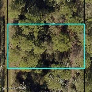 8175 104th Avenue, Vero Beach, FL 32967 (MLS #916289) :: Premium Properties Real Estate Services