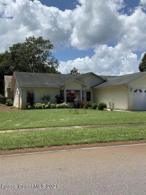 832 Crestwood Avenue, Titusville, FL 32796 (MLS #918405) :: Premium Properties Real Estate Services